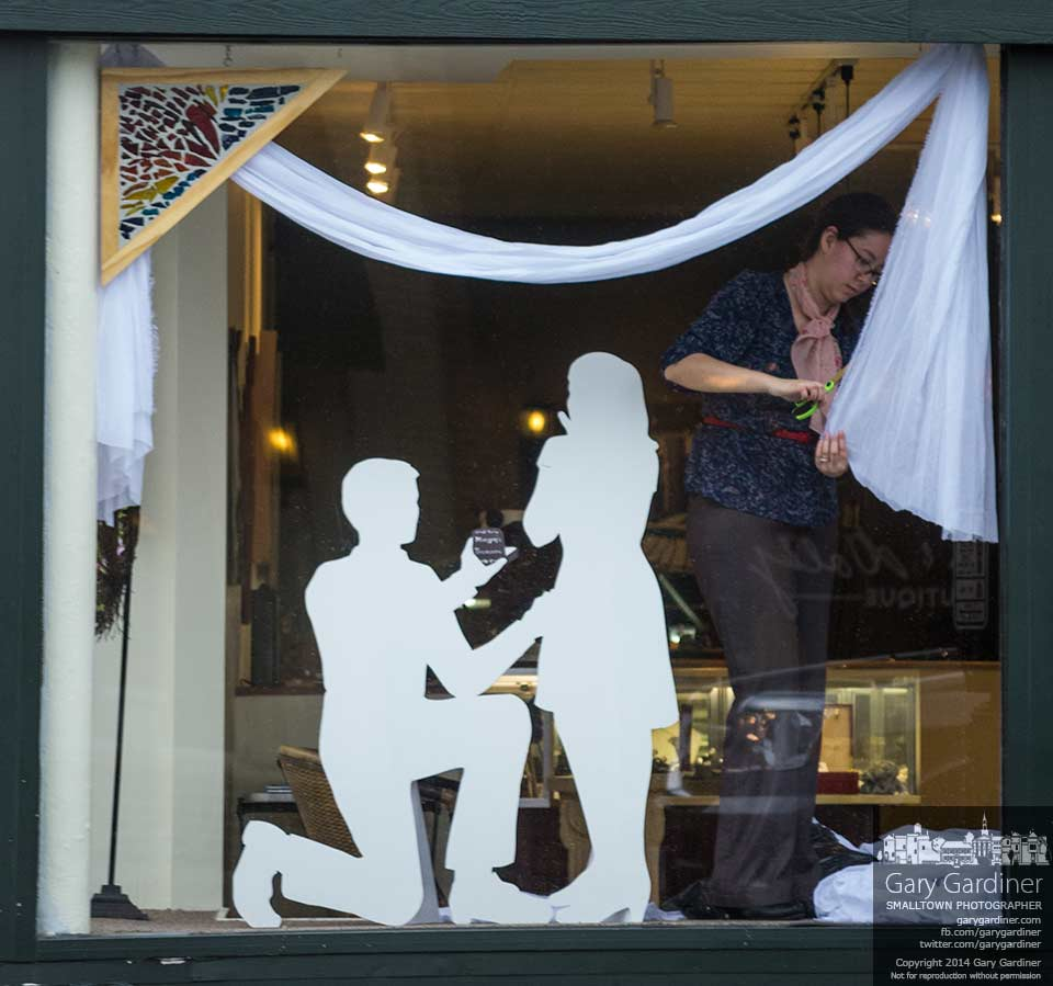 Window for betrothal and marriage uptown westerville for Jewelry store window displays